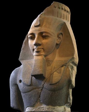 La statua del faraone Ramesse II