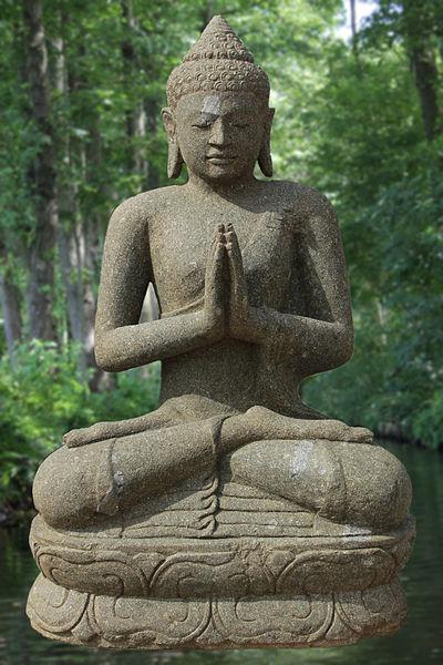 Buddha in Anjali mudra (credits: Veit Zahlaus, www.commons.wikimedia.com)